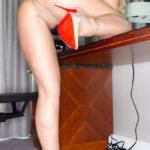 Lynda Leigh office milf in pantyhose